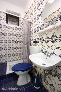 Bathroom 2   - A-9423-a