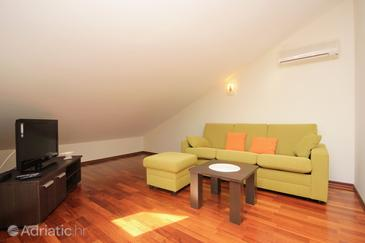 Novalja, Living room in the apartment, dopusteni kucni ljubimci.