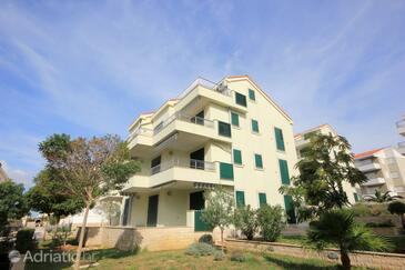 Novalja, Pag, Property 9427 - Apartments with pebble beach.
