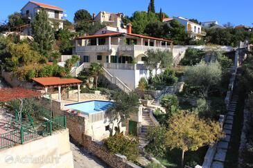 Ljubljeva, Trogir, Объект 9431 - Дом для отдыха вблизи моря с галечным пляжем.