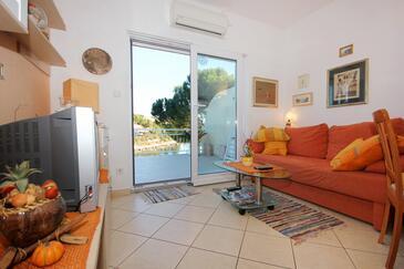 Mavarštica, Camera de zi în unitate de cazare tip apartment, aer condiționat disponibil şi WiFi.