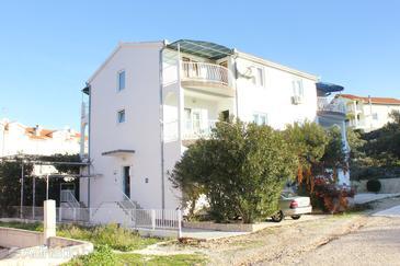 Okrug Gornji, Čiovo, Property 9442 - Apartments with pebble beach.