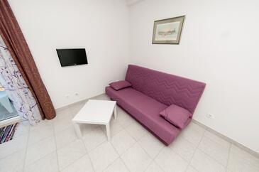 Prožurska Luka, Living room in the apartment, dostupna klima i dopusteni kucni ljubimci.