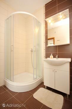 Bathroom 2   - A-9452-b