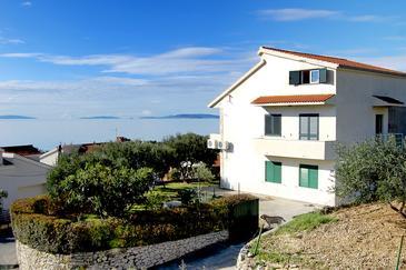 Podstrana, Split, Property 9457 - Apartments with pebble beach.