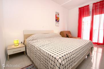 Podstrana, Bedroom in the room, dostupna klima i WIFI.