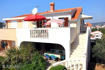 Sevid, Trogir, Propiedad 9468 - Apartamentos near sea with pebble beach.