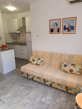 Okrug Gornji, Living room in the apartment, WIFI.