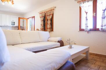 Zavalatica, Obývací pokoj v ubytování typu house, domácí mazlíčci povoleni a WiFi.
