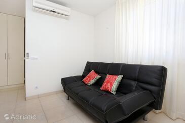 Kneža, Living room in the apartment, dostupna klima i WIFI.