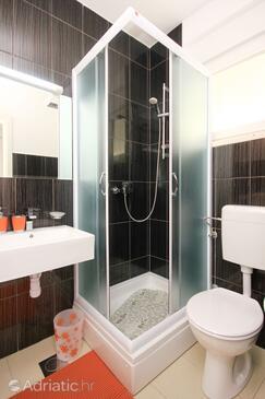 Bathroom    - K-9482