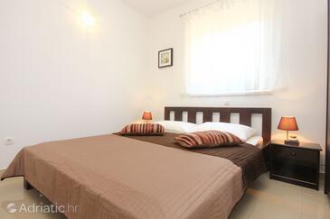 Bedroom    - K-9482