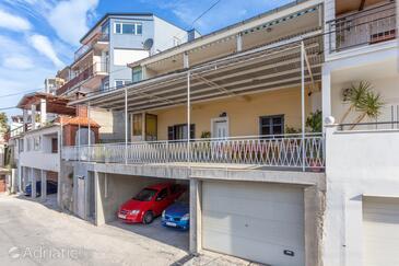 Sumpetar, Omiš, Объект 950 - Апартаменты с галечным пляжем.