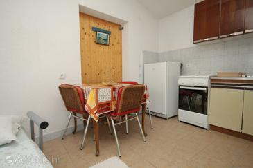 Smokvina, Dining room in the studio-apartment, (pet friendly).