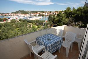 Family friendly seaside apartments Jezera, Murter - 9502