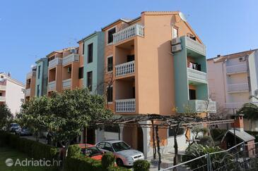 Podstrana, Split, Property 9503 - Apartments near sea with pebble beach.