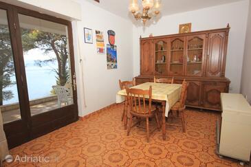 Marušići, Dining room in the apartment.