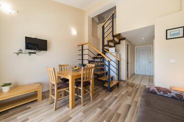 Drvenik Donja vala, Esszimmer in folgender Unterkunftsart studio-apartment, Klimaanlage vorhanden und WiFi.