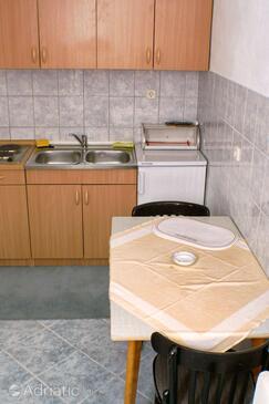 Splitska, Dining room in the apartment, WIFI.
