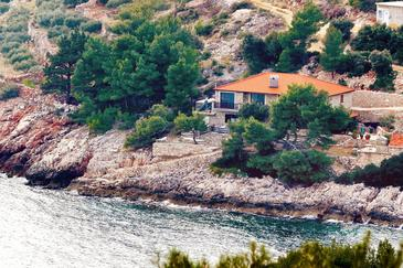 Uvala Srhov Dolac, Hvar, Property 9659 - Apartments by the sea.