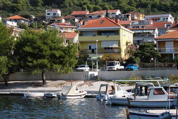 Trogir, Trogir, Objekt 9667 - Ubytovanie blízko mora s kamienkovou plážou.