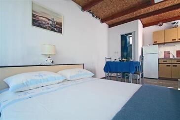 Vinjerac, Obývacia izba v ubytovacej jednotke house, dostupna klima i WIFI.