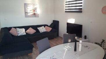 Okrug Gornji, Obývací pokoj v ubytování typu apartment, domácí mazlíčci povoleni a WiFi.