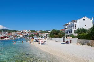 Apartmani uz more Okrug Gornji (Čiovo) - 9694