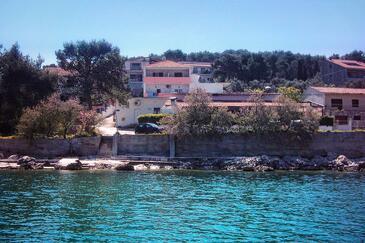 Arbanija, Čiovo, Objekt 9700 – Apartmaji v bližini morja.