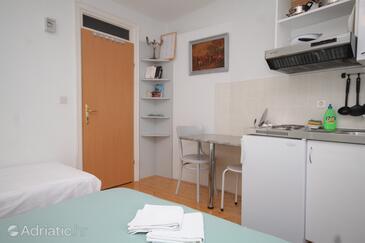 Komiža, Jedilnica v nastanitvi vrste studio-apartment, Hišni ljubljenčki dovoljeni in WiFi.