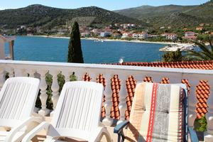 Apartments by the sea Seget Vranjica (Trogir) - 980