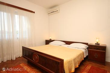 Ubli, Bedroom in the room, dostupna klima.