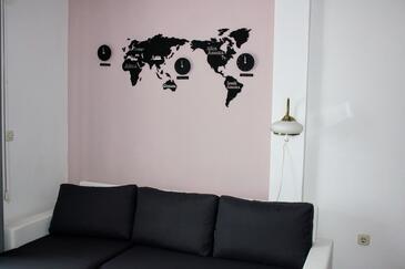 Zaklopatica, Obývací pokoj v ubytování typu apartment, domácí mazlíčci povoleni a WiFi.
