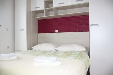 Zaklopatica, Bedroom in the room, air condition available, (pet friendly) and WiFi.