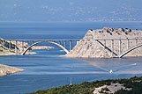 de Krk brug verbind eiland Krk met het vaste land, riviera Krk