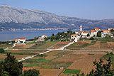 Panorama mjesta Lumbarda, rivijera Korčula