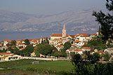 Panorama mesta Postire, riviera Brač
