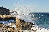 Morski val i stijena, Hrvatska