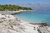 Strand in de plaats, Sumartin, riviera Brac