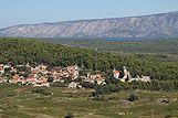 Panorama mesta Svirće, riviera Hvar