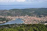 Panorama mesta Vela Luka, riviera Korčula