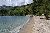 Strand in de plaats Zuljana, riviera Peljesac